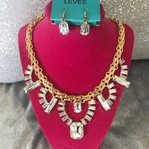 Jewelry - Gorgeous Rhinestone Gold  Necklace / Earring set